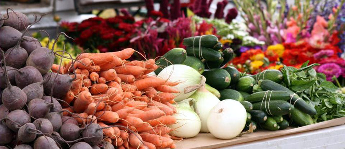 One Stop Shop: Farmers Markets Where You Can Buy Wine, Mead and Beer With Your Farm Fresh Fare